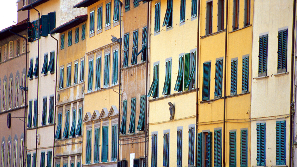 Pescia (Pistoia, Tuscany, Italy) - Houses of various colors. Windows